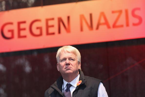 Foto mit Ullrich Sierau – Angeblich gegen Nazis