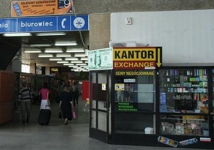 Warschau Zachodnia - Busbahnhofshalle - Wechselstube